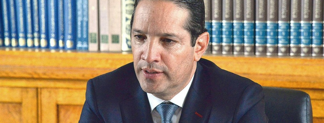 Domínguez Servién niega vínculos con Collado; demandará por difamación