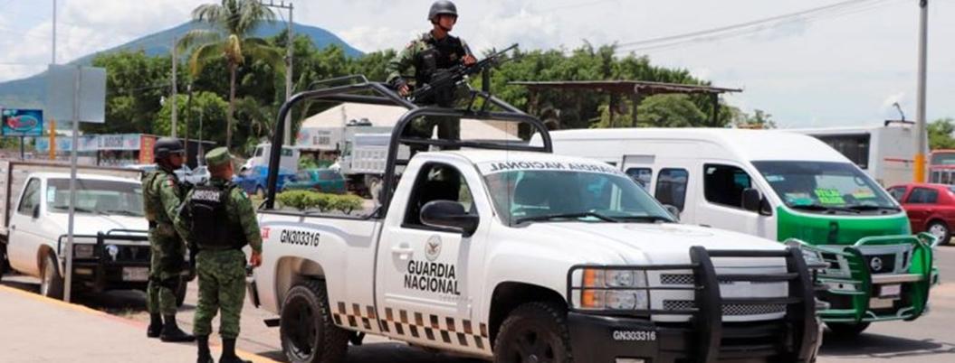 Guardia Nacional socializa con habitantes de Cuernavaca