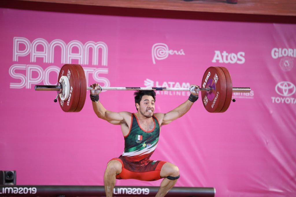 Jonathan Muñoz gana el oro en levantamiento de pesas en Lima 2019