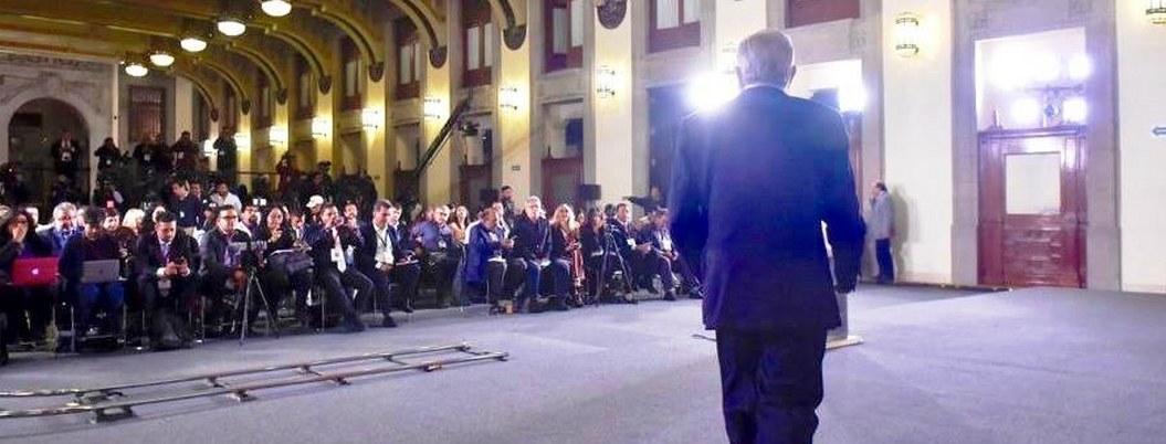 Obrador no firmará 100 nombramientos para dar empleo a 'los amigos'
