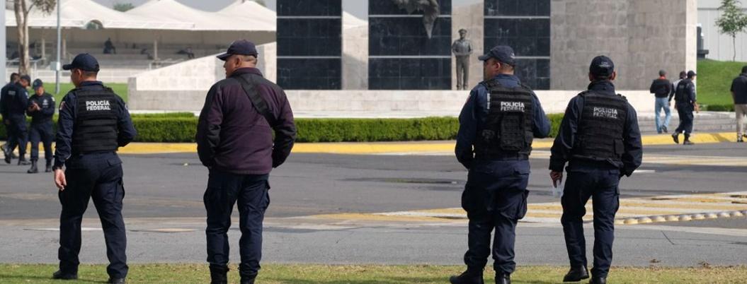Durazo advierte a policías rebeldes que no pagará indemnización