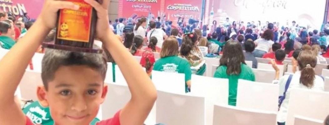 Mexicano de 8 años se corona campeón de cálculo mental en China