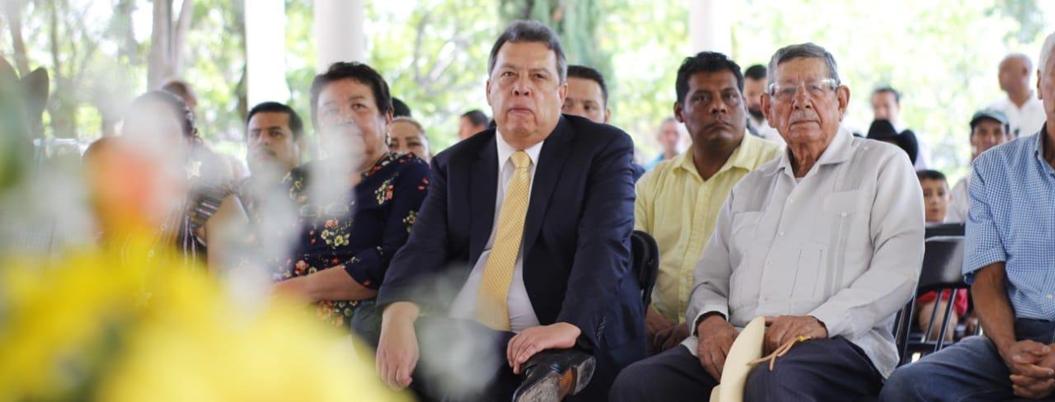 Aguirre intenta revivir al PRI absorbiendo al PRD en Guerrero