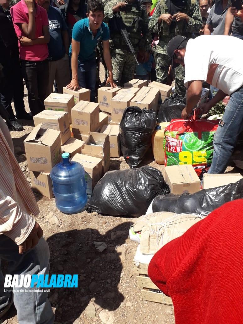 Balas en cajas del DIF en Guerrero