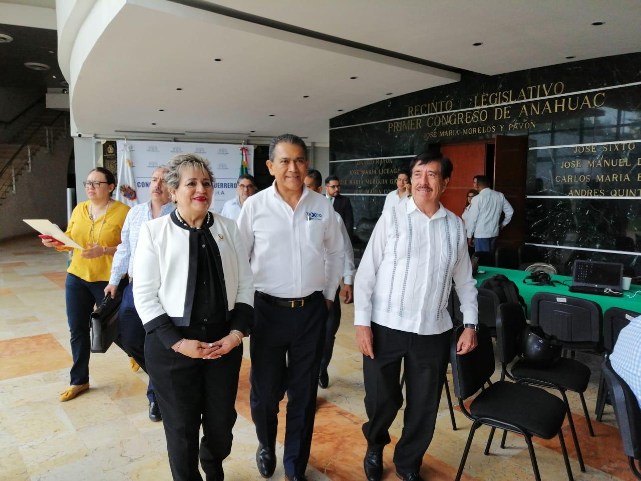 Alcaldes y síndicos comparecen en el Congreso por caso Ayotzinapa