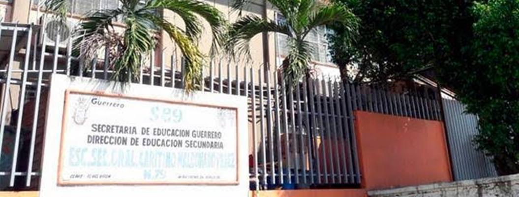 Secundaria de Acapulco cobra 450 pesos de inscripción