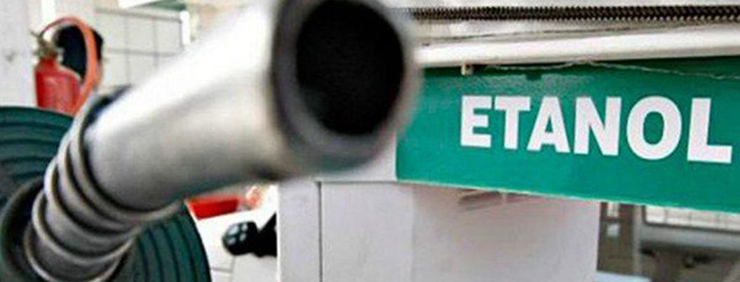 """""""Etanol con gasolina contamina más"""", afirma la Sedema"""
