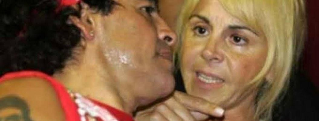 Registran casa de exesposa de Maradona en busca de sus pertenencias