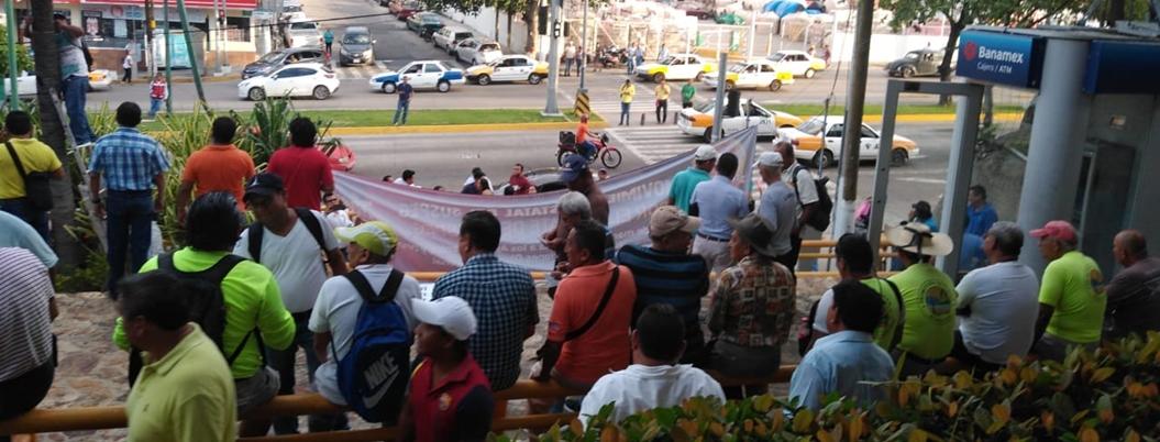 SUSPEG de la mano del PRI protesta contra Adela Román