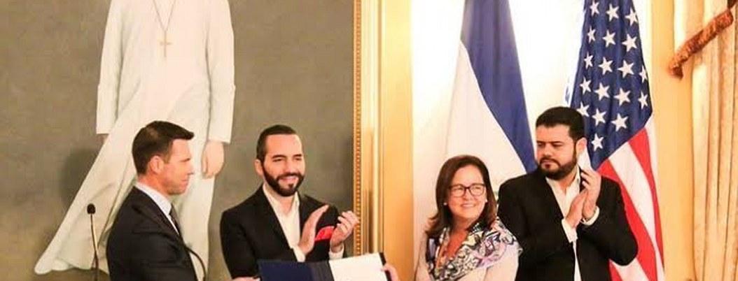 El Salvador y EU firman acuerdo migratorio para combatir pandillas