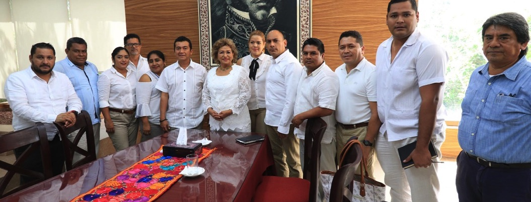 Alcaldesa de Acapulco se reúne con maestros del SUSPEG; refrenda apoyo