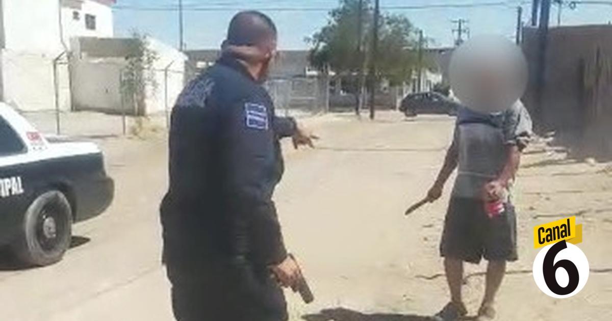 Policía mata a hombre a balazos; lo atacó con un cuchillo   VIDEO