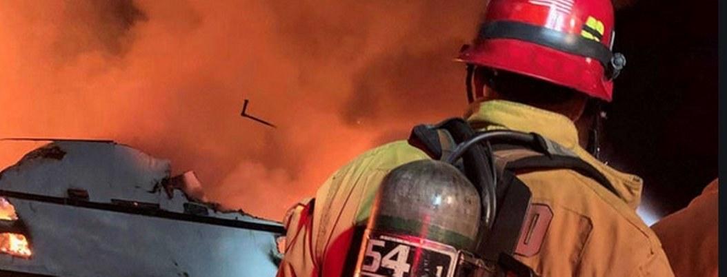 California: se incendia barco, hay 30 desaparecidos