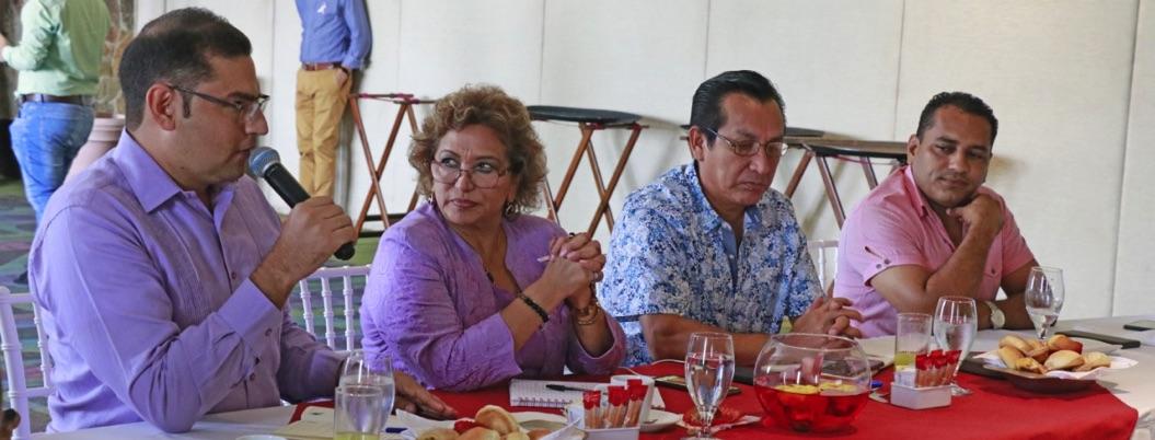 Alcaldes de Morena nombran a Adela Román como su coordinadora