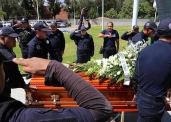 """""""Los mandaron al matadero"""", reclaman familiares de policías caídos 6"""