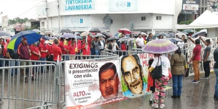 Protestan en Congreso local por desaparición de Arnulfo Cerón 1