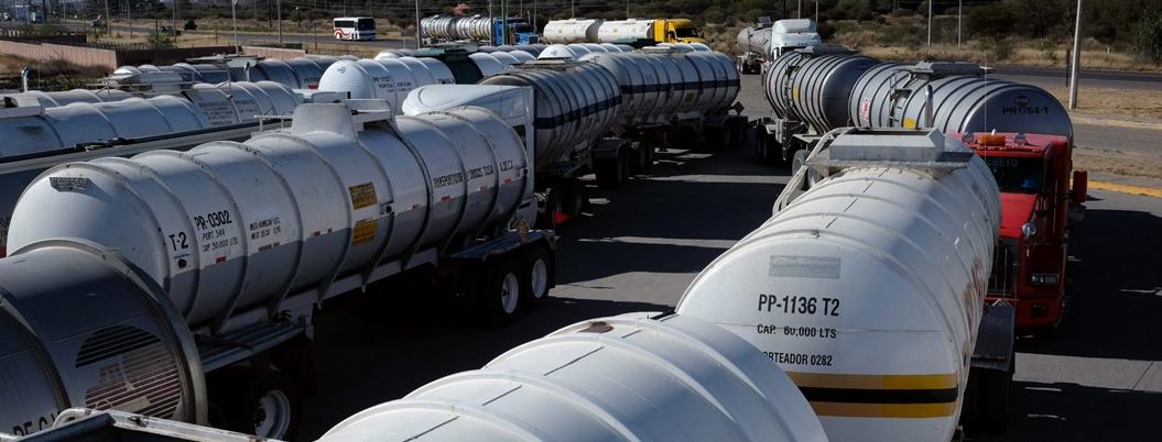 Empresarios dan la espalda a Pemex e importan gasolina