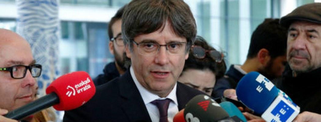Puigdemont comparece ante justicia belga; lo dejan libre bajo fianza