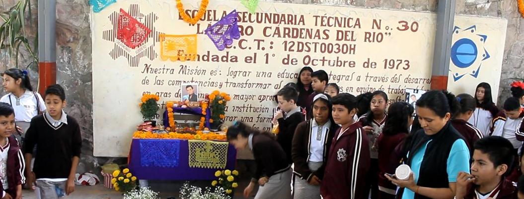 Maestros protestan contra imposición de director en secundaria de Chilpancingo