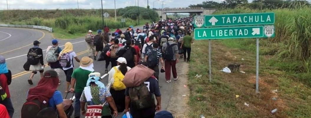 Caravana con 2 mil migrantes parte de Tapachula hacia frontera norte