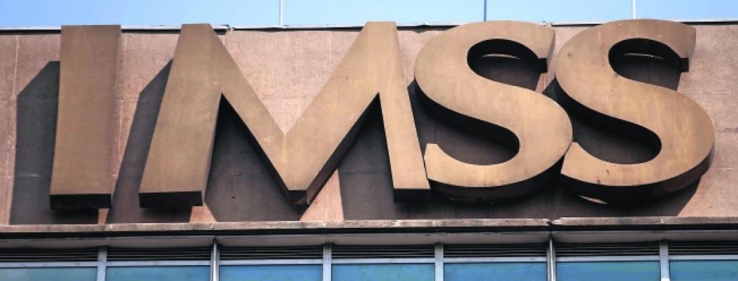 IMSS cumple 77 años de progresiva decadencia por desdén neoliberal