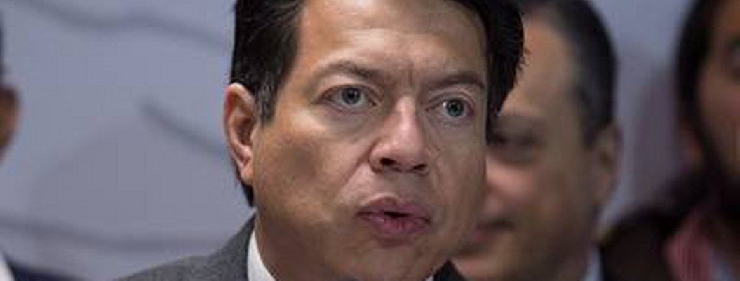 "Mario Delgado se resbala y ""mata"" a diputado de Morena"