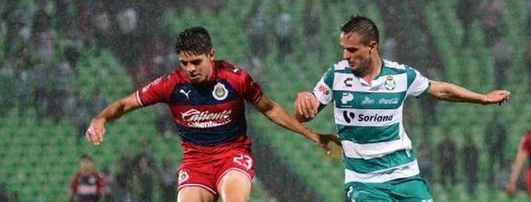 Santos vence 2-0 a Chivas y le quita liderato en grupo MX