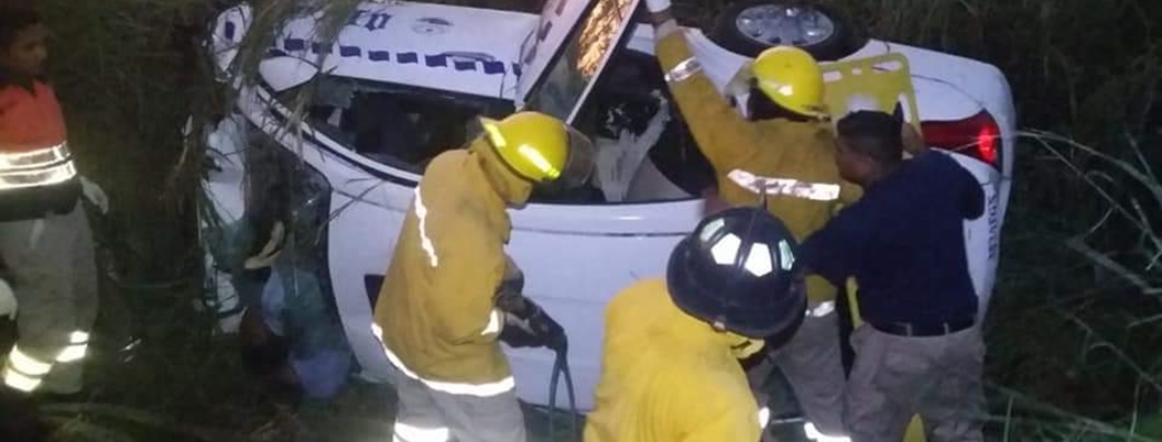 Accidente deja 5 personas muertas en la Acapulco-Pinotepa
