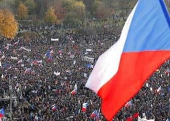 exigen salida de ministro checo
