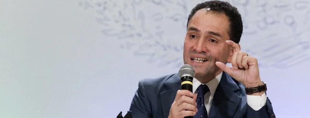 Herrera afirma que economía está blindada, peso dice lo contrario