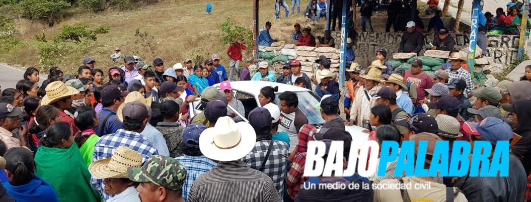 Continúa bloqueo de la CRAC en Chilapa: piden cuerpos de músicos