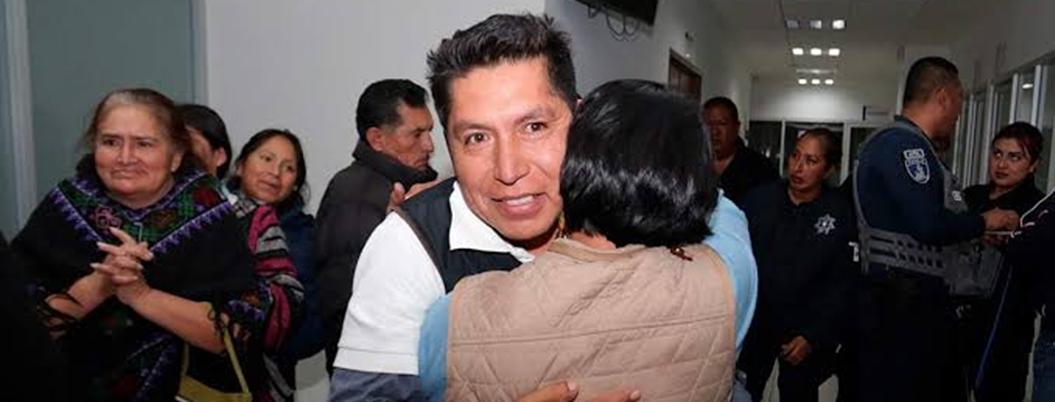 Obrador celebra liberación del primer preso político de su gobierno
