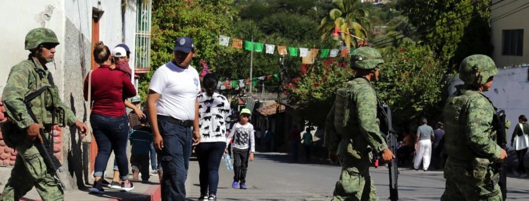 GN asegura arsenal de armas y cartuchos en Tamaulipas