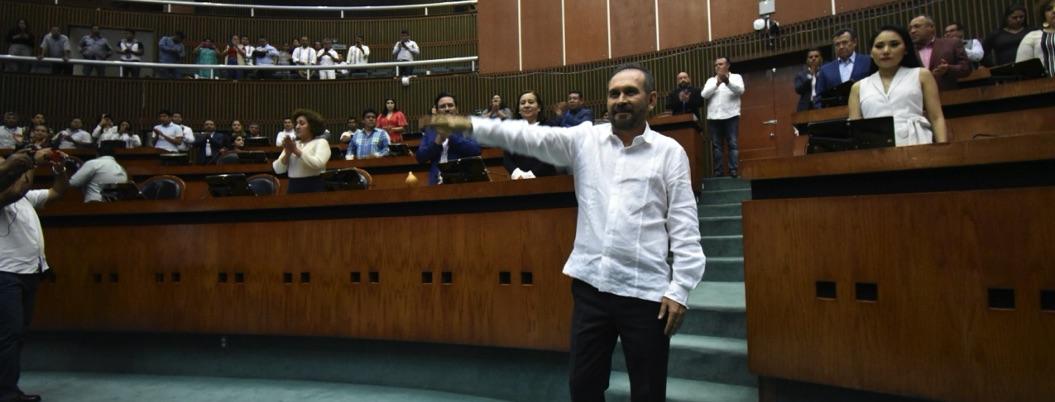 Jesús Villanueva, nuevo coordinador de Morena en Congreso local