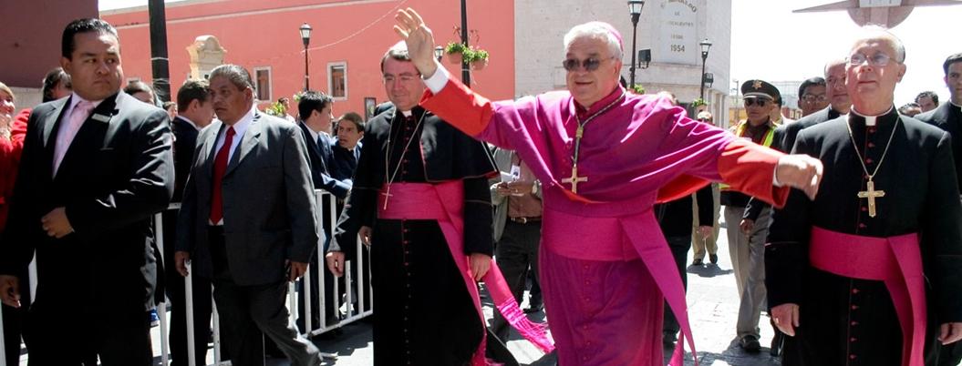México sufre de descomposición social, advierte obispo