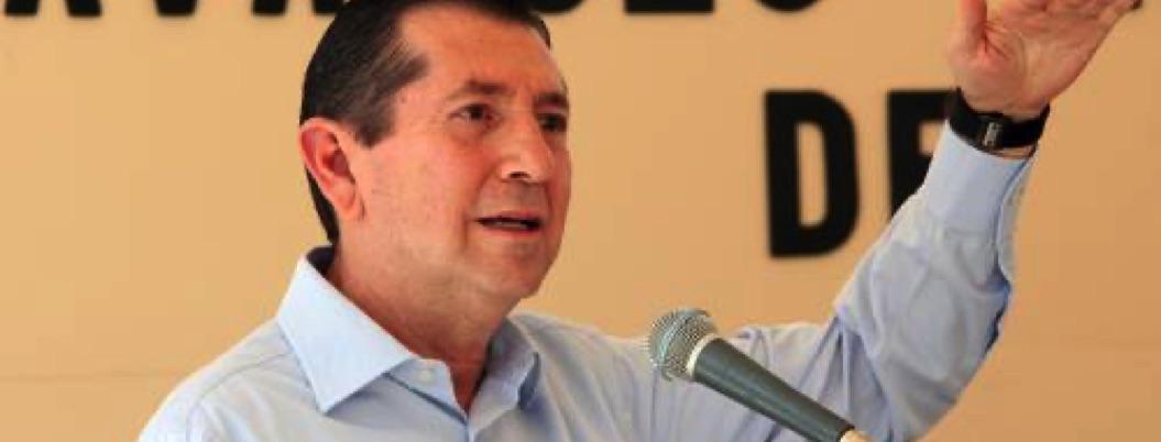 Zeferino reaparece con críticas a CAPAMA, órgano que hundió