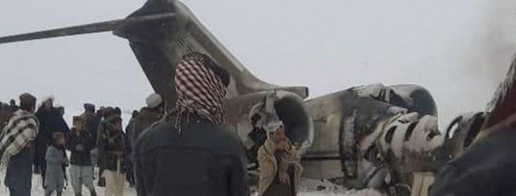 "Talibanes se atribuyen avionazo ""que transportaba militares de EU"""