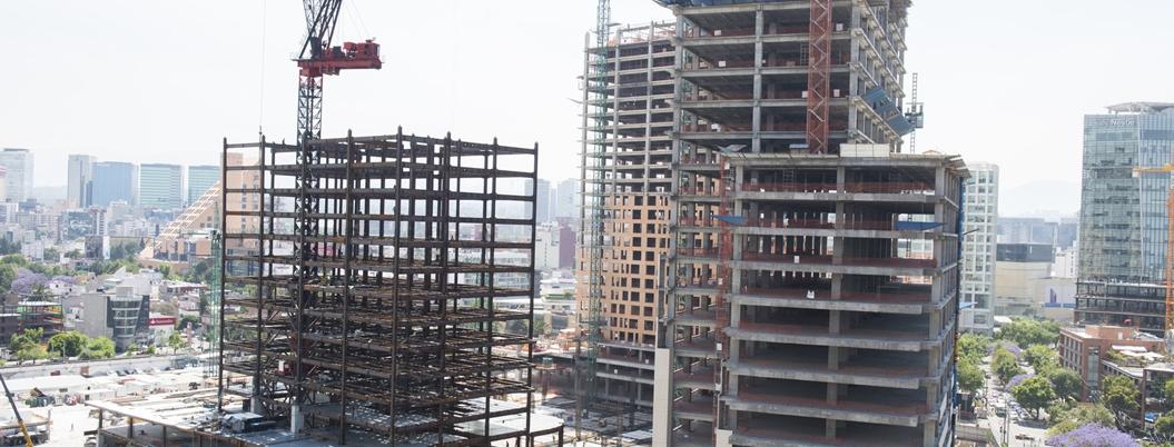 AMLO busca mejorar economía invirtiendo 200 mil mdp en construcción
