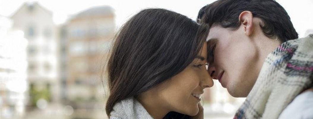 Hombres, caen más rápido en el amor, según la ciencia