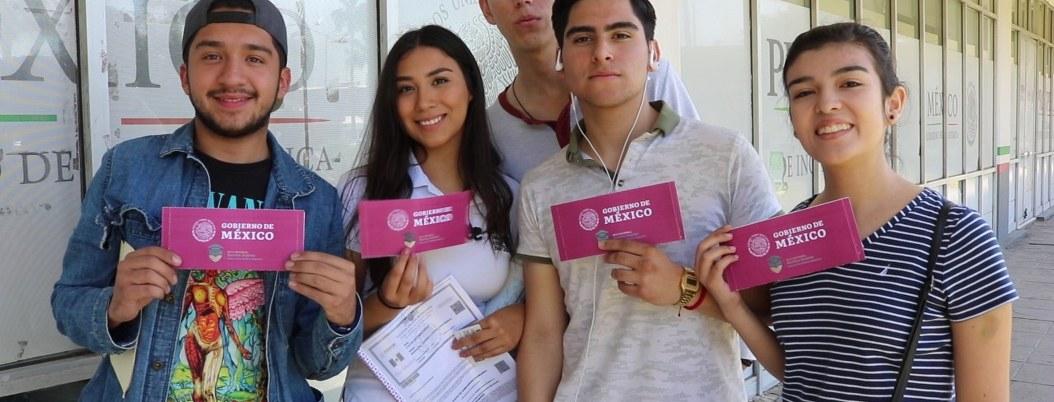 Reforma Constitucional garantiza sistema de becas para estudiantes