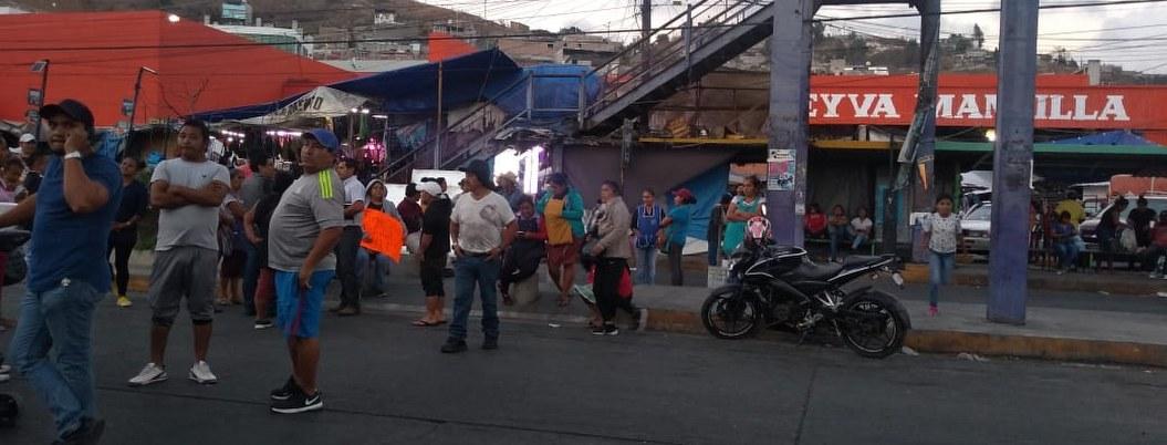 Policías golpean a comerciante en Chilpancingo; bloquean avenidas