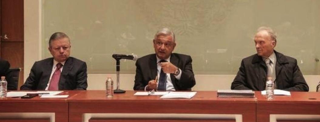 AMLO firma convenio con SCJN y FGR para esclarecer caso Iguala