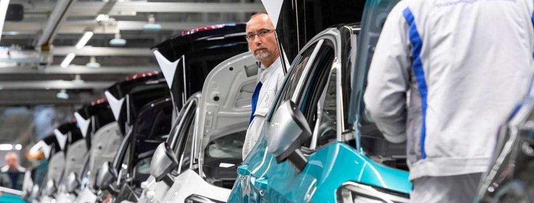 Volkswagen cerrará casi todas sus plantas en Europa por coronavirus