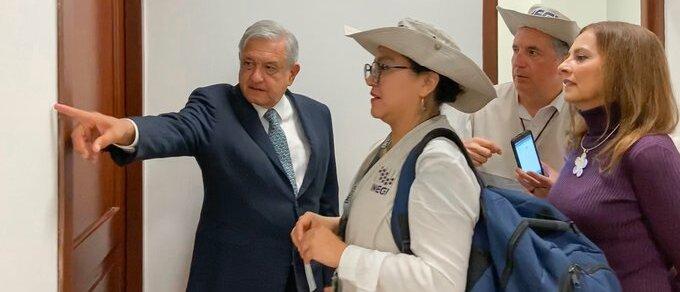 INEGI censa a AMLO en Palacio Nacional