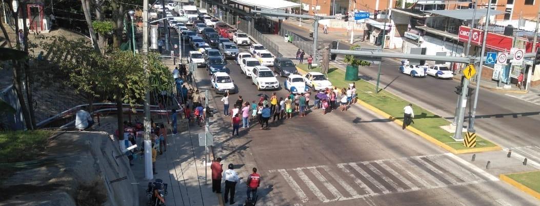 Alcaldesa 'atiende' Covid-19, pero no a comerciantes afectados