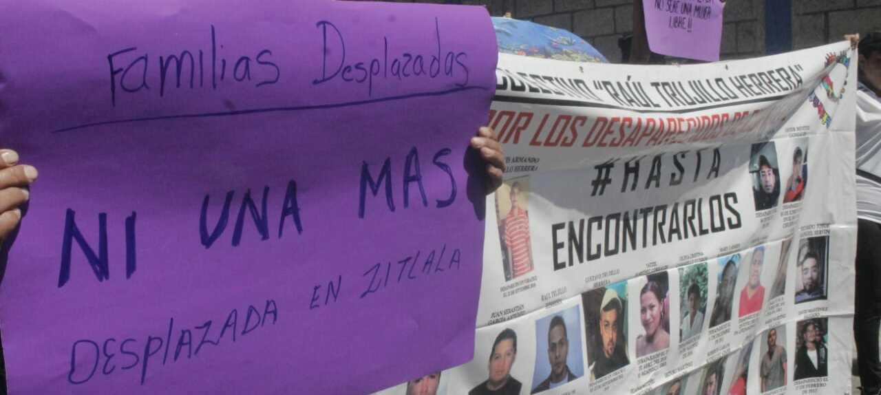 Marchan colectivos de desaparecidos; exigen justicia por mujeres