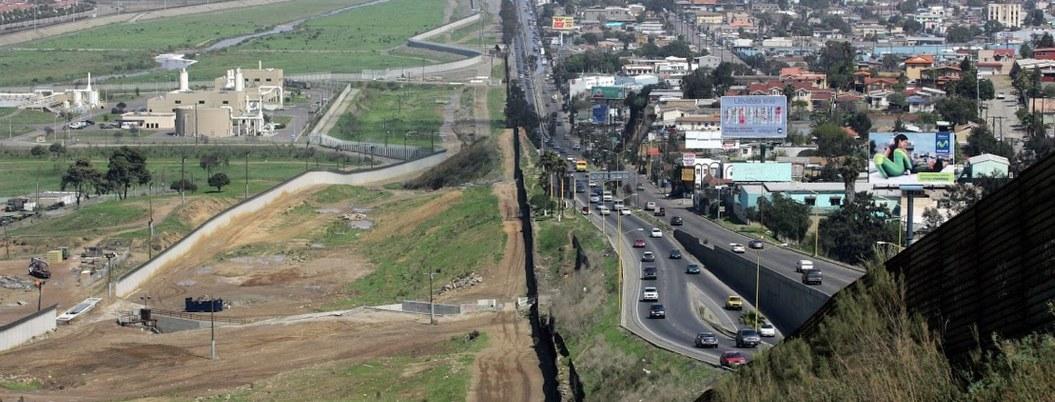 Trump anunciará mañana que cerrará frontera con México: CBS