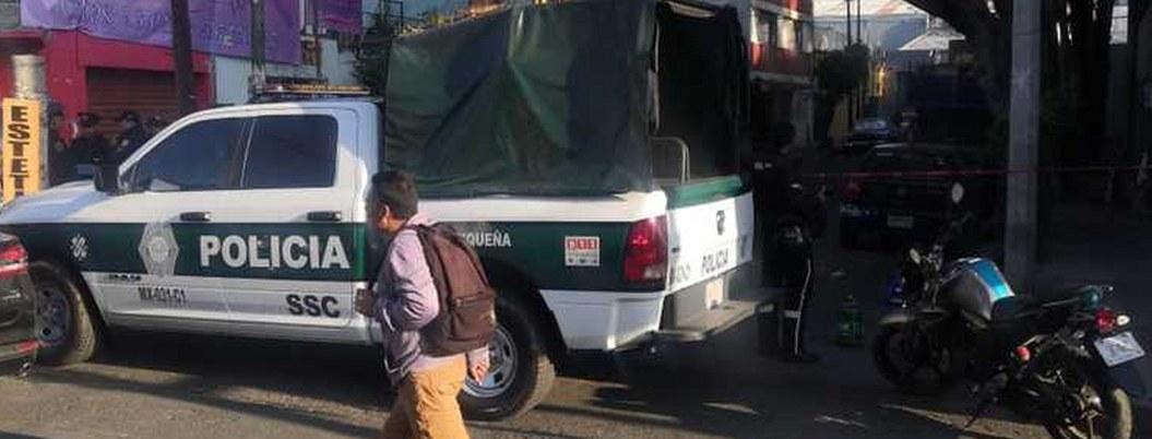 Hallan cadáver maniatado en auto abandonado en Coyoacán