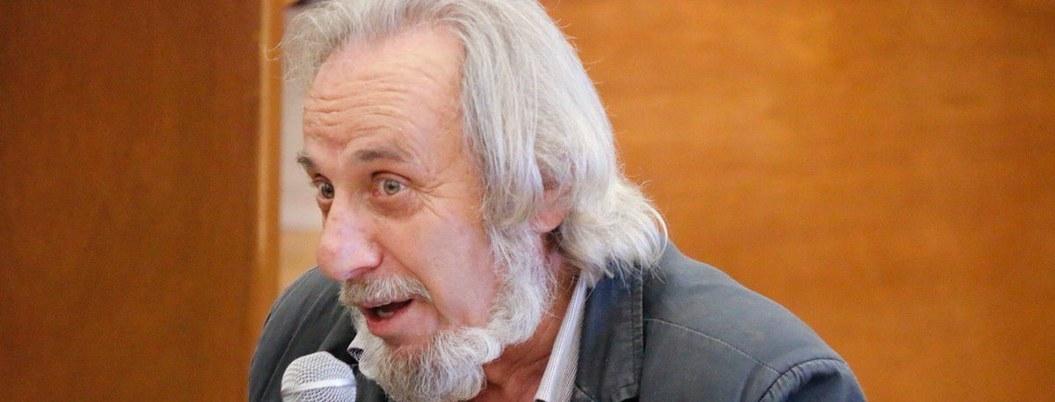 Decepciona la administración cultural de AMLO, dice el poeta Eduardo Mosches 2