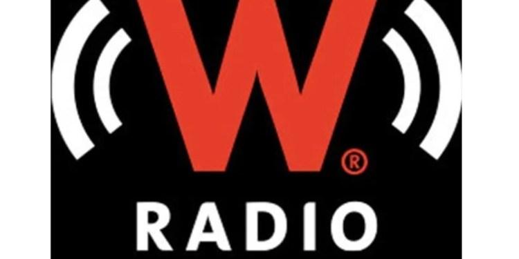 Tras conflicto por compra, toman instalaciones de W Radio, estación de Televisa 1